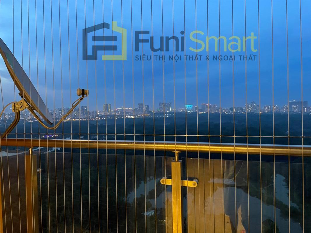 Đây là hình ảnh chi tiết lưới ban công chung cư 2,5 ly do Funismart làm cho cư dân Dragon Hill 2
