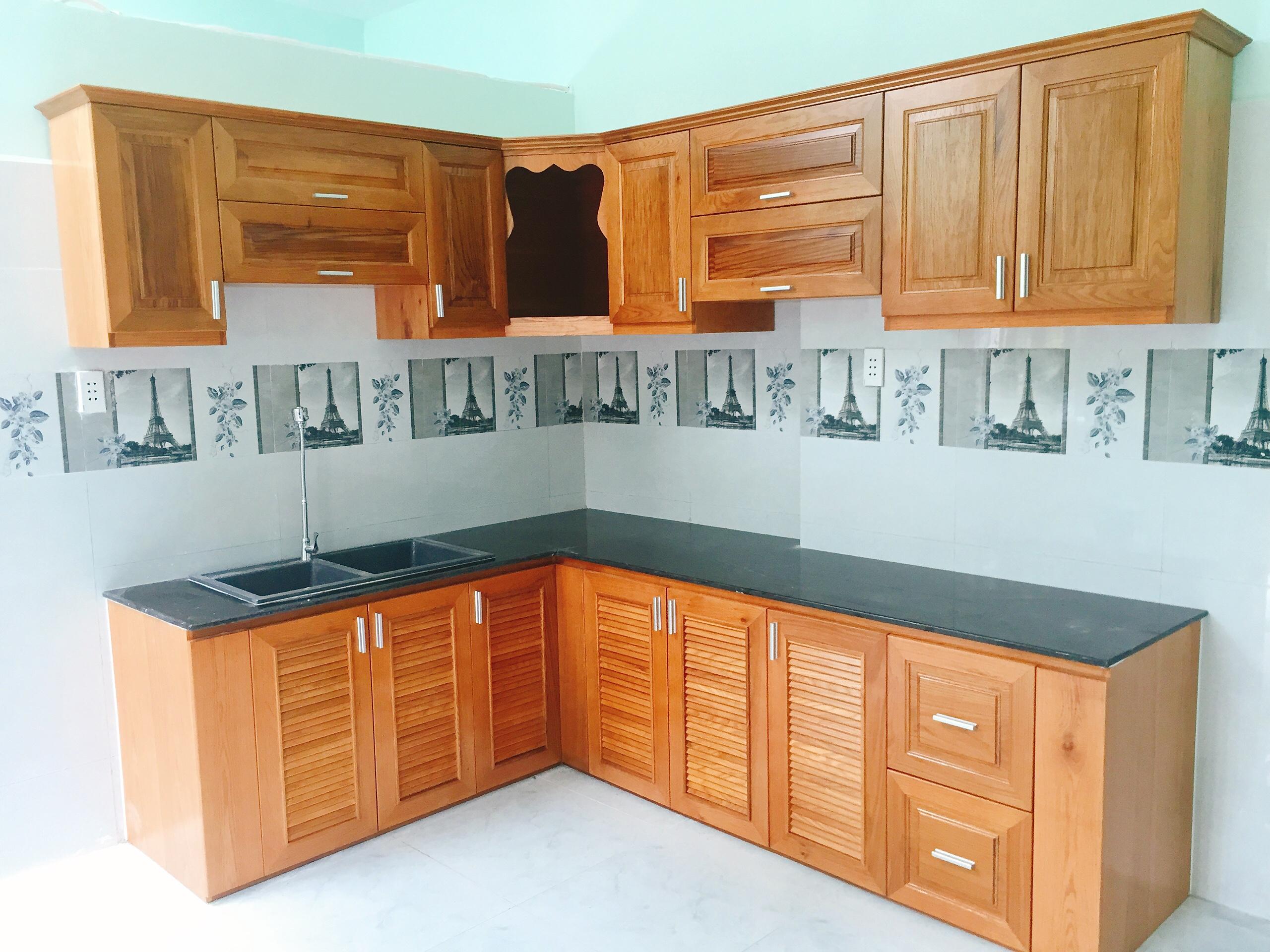 Tủ bếp gỗ sồi Mỹ tự nhiên thi công tại tphcm